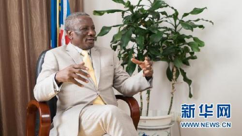 中国侨网在中国两会召开之际,纳米比亚驻华大使伊莱亚·乔治·凯亚莫接受新华网专访。新华网 发