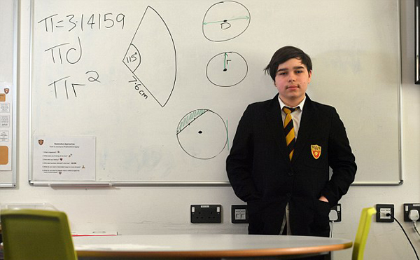 英12岁男孩成门萨会员 智商高过爱因斯坦和霍金