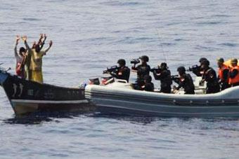 罕见镜头曝出!红海行动改编前的真实中国海军