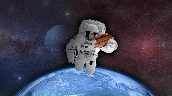 因为宇航服的问题 宇航员回到地球后身体不适