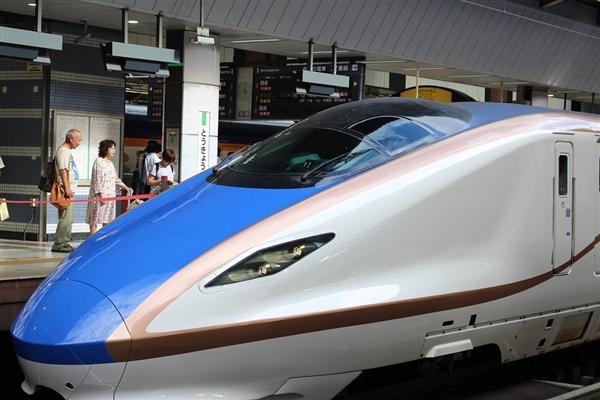 讨好女性用户:日本Hello Kitty子弹头火车来了