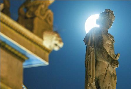 高清延时摄影展现绝美雅典夜景