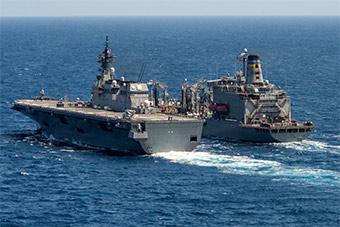 日准航母同美航母齐聚南海 举行反潜演练