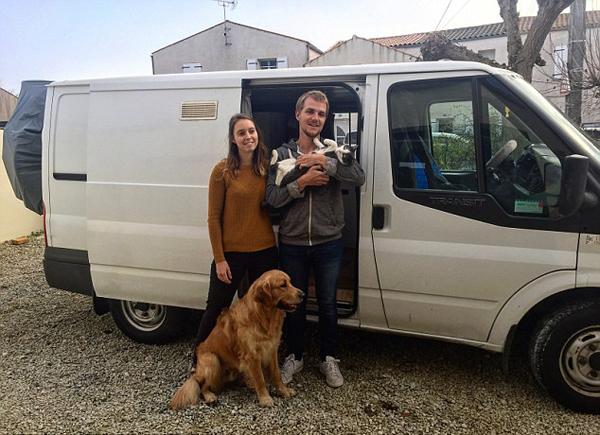 法国夫妻辞职改装二手房车带猫狗环欧旅行