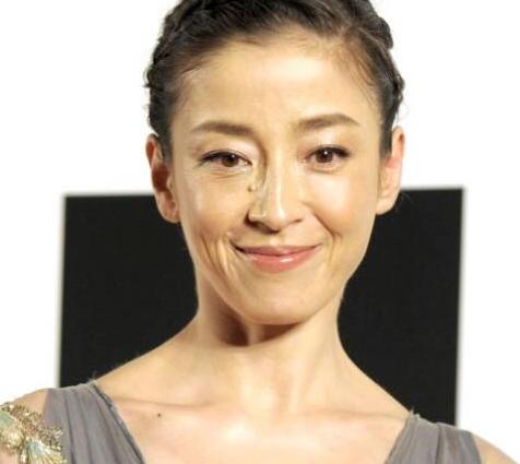 日偶像团体V6成员森田刚与女演员宫泽理惠宣布结婚