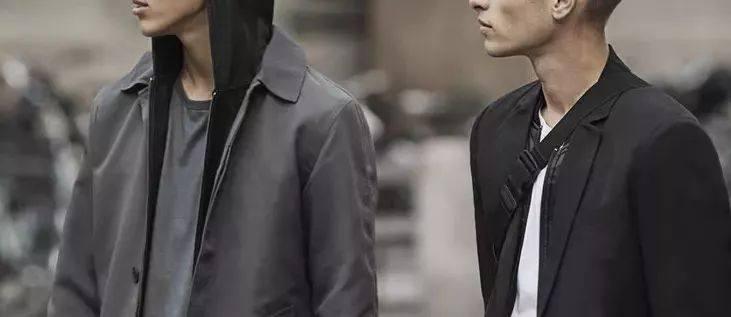 你老穿黑白灰 难怪没有女朋友