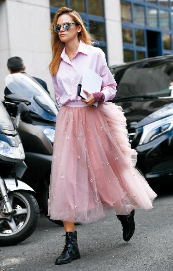 粉色势力攻陷新季街头