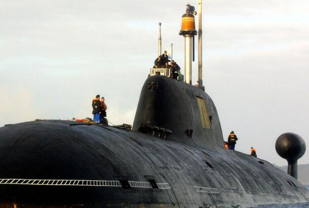 俄核动力潜艇赴美