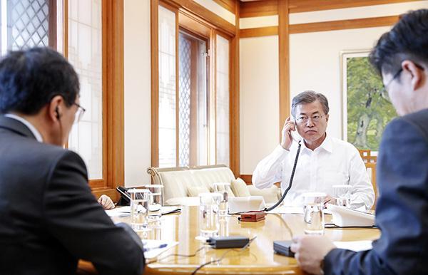 日韩首脑举行电话会谈,安倍称正研究日朝对话的可能性