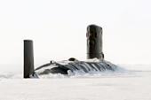 核潜艇破冰而出太壮观