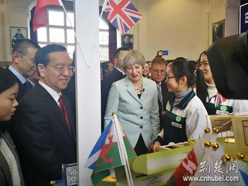 想多赚中国留学生钱,英国先把这个歧视制度取消!