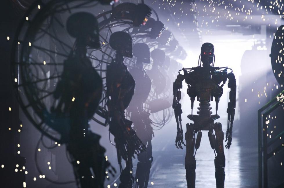 如果AI机器人杀了人类 这个锅谁来背?