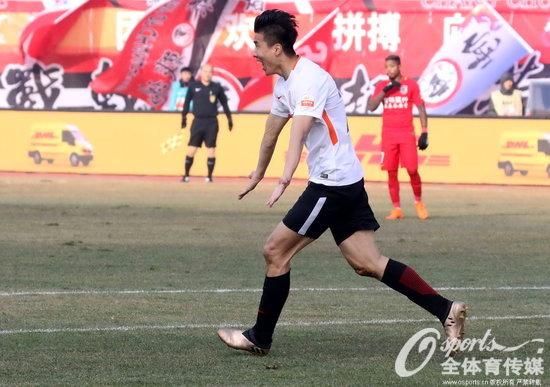 北京人和客场逼平亚泰 重返中超韧劲十足