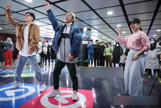 《这就是街舞》选手空降北京 共掀全民街舞热潮