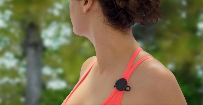 """只需一颗纽扣电池 紫外线追踪器可助你""""防晒"""""""