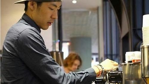 澳媒:澳华裔程序员转行卖咖啡 创业开店年销售额200万