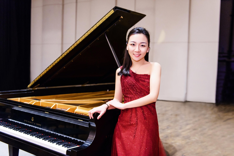 钢琴家杨晓慧获美国93年历史的瑙姆堡国际比赛大奖