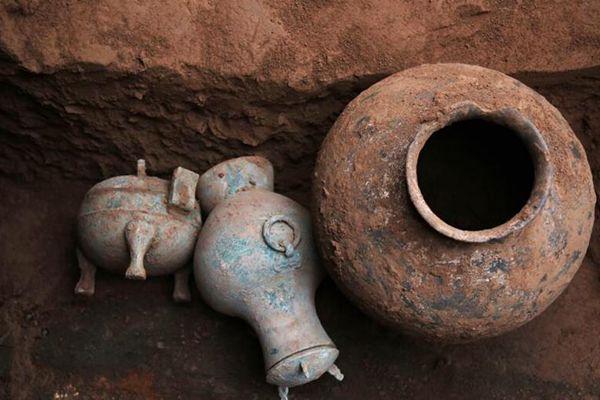 陕西发现2000多年前秦国古酒
