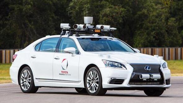 全球首例无人车致死事件阴影扩散 丰田紧急叫停试驾