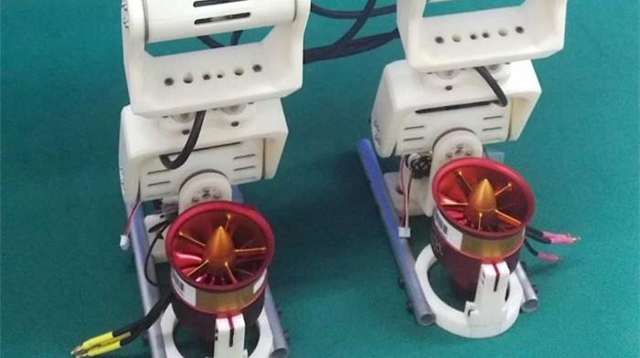 不会摔倒 双足机器人双足可跨越37厘米缝隙