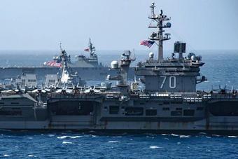 剑指何方?美日航母举行海上演习秀武力