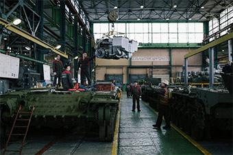俄罗斯坦克修理厂如何升级T80坦克