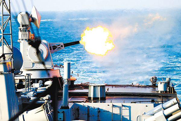火舌喷涌 东海舰队某驱逐舰支队连续7昼夜实训