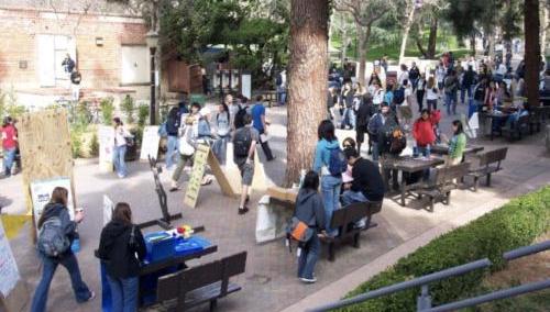 太挤!加州州立大学拒收3.2万名学生 校方商讨对策