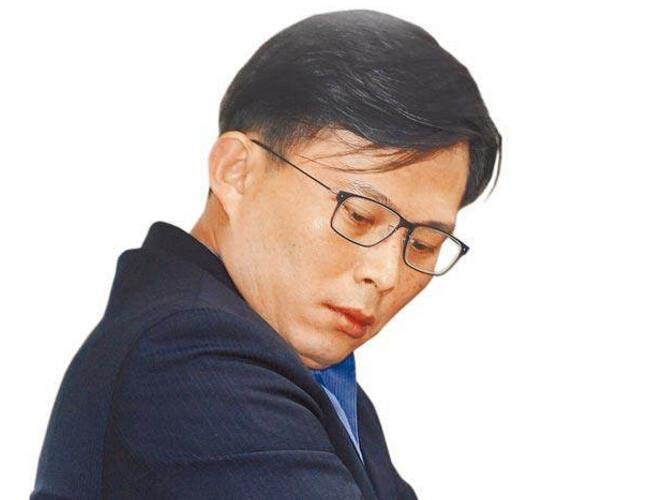 """黄国昌骂台商""""亲中卖台"""" 岳父被曝在大陆投资后改口"""