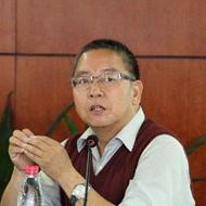 北大经济学院教授平新乔