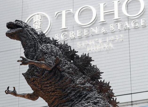 高度达到3米 世界最大哥斯拉雕像亮相日本东京