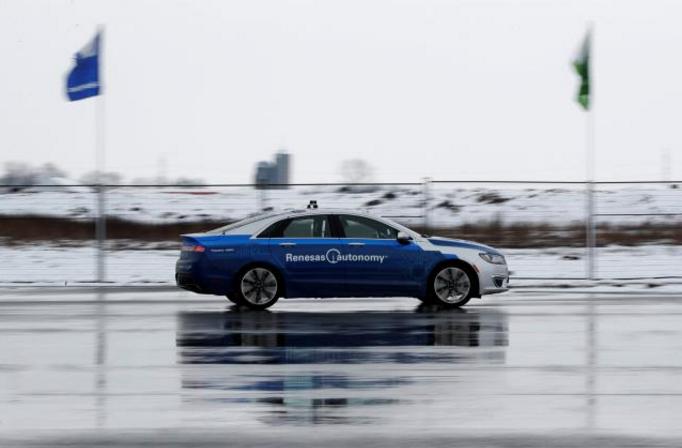 自动驾驶汽车加拿大学习雨雪天气如何行驶