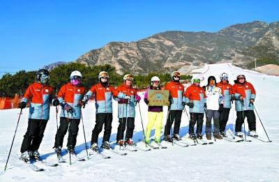 卖羊组建首支农民滑雪队 半年培训5000余人次