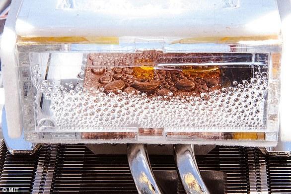 美科学家研发能从干燥的沙漠空气中造水的新设备