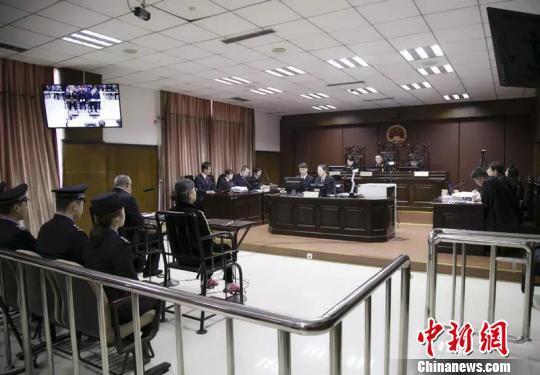内蒙古巴彦淖尔市委原书记何永林受贿案一审开庭