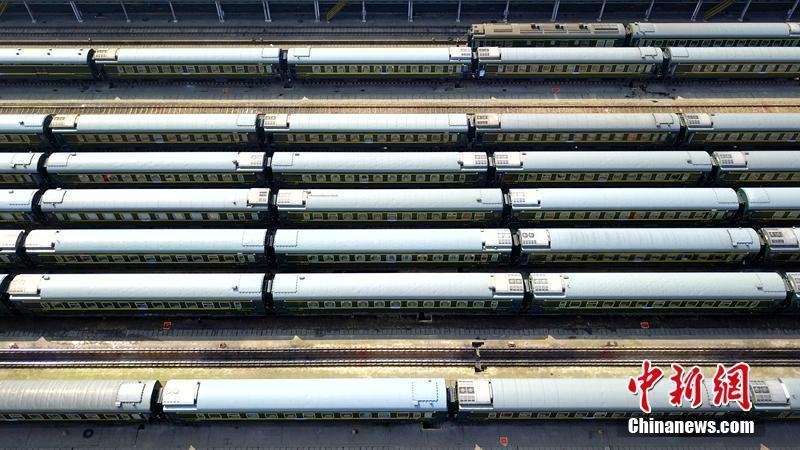 西南最大客车检修整备场拉开春季整修序幕