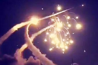 沙特爱国者拦截也门导弹失败 拐弯后飞向自己人
