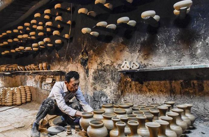 探访喀什土陶守望者 每年可获得4800元补贴