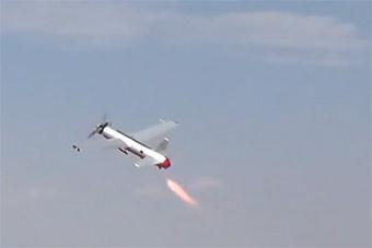 国产远程防空导弹HQ-16操控室内景及靶机罕见曝光