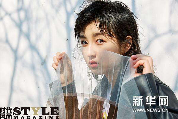 张子枫街拍曝光 看十七岁少女的缤纷世界