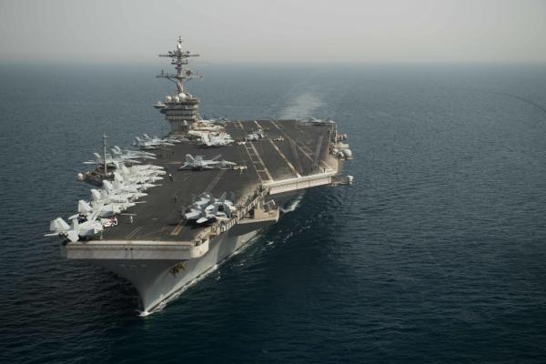 美媒:罗斯福号航母离开中东 和印度海军军演