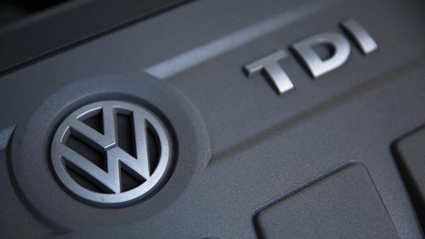 不满作弊汽车修复方案 英国逾5万车主向大众索赔