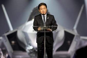 美国向韩国交付首架F-35 称将带来不可思议战力