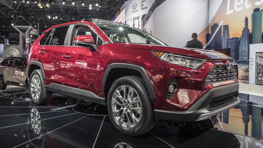 酷炫造型强悍动力 2019款丰田RAV4首发亮相