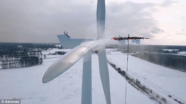 视频:大型全能无人机 能跳伞能灭火还能清洁高楼