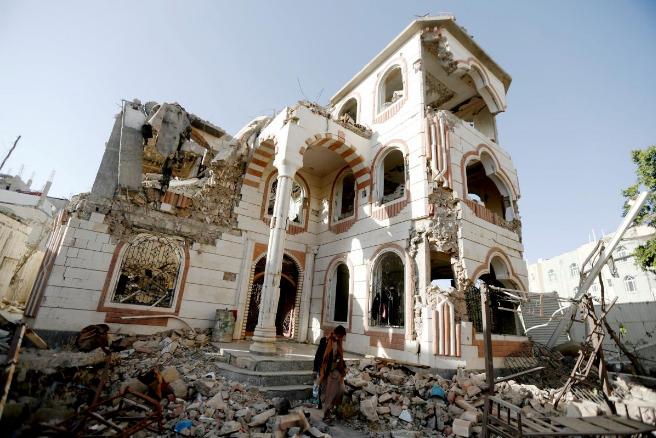 胡塞武装空袭沙特 联合国称也门面临人道主义危机