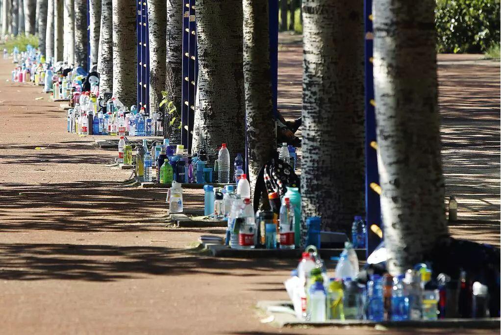 瓶装水拥有巨大的市场。图/视觉中国