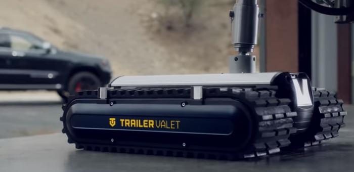 简直是微型坦克 机器人能拖动4吨重物