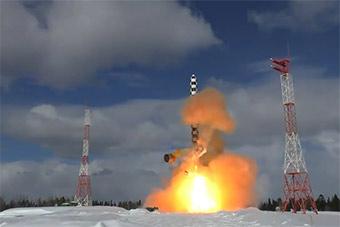 俄测试最强萨尔马特洲际导弹弹道性能