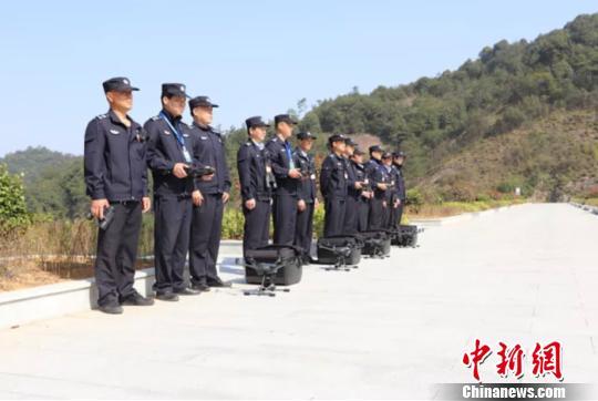 浙江安吉成立浙首支无人机护林中队